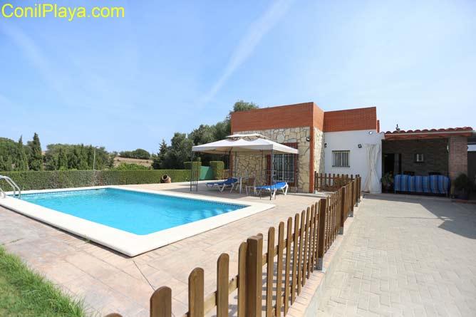 chalet con piscina en San Ambrosio