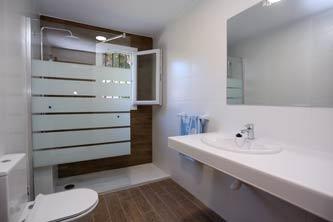 cuarto de baño con bañera