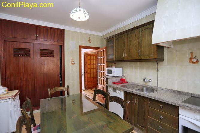 La cocina dispone de alacena.