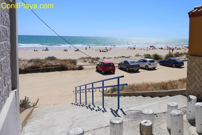 Playa de la Barrosa a la altura donde se encuentra la casa.