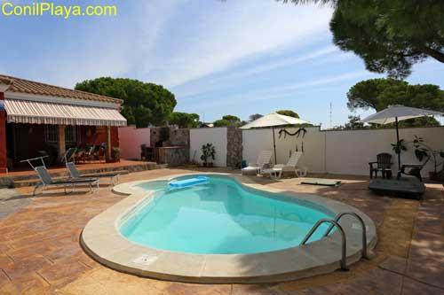 Chalet en Chiclana con piscina