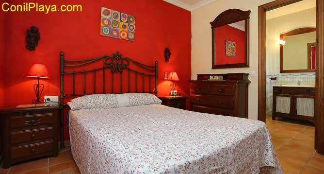 dormitorio principal con cuarto de baño