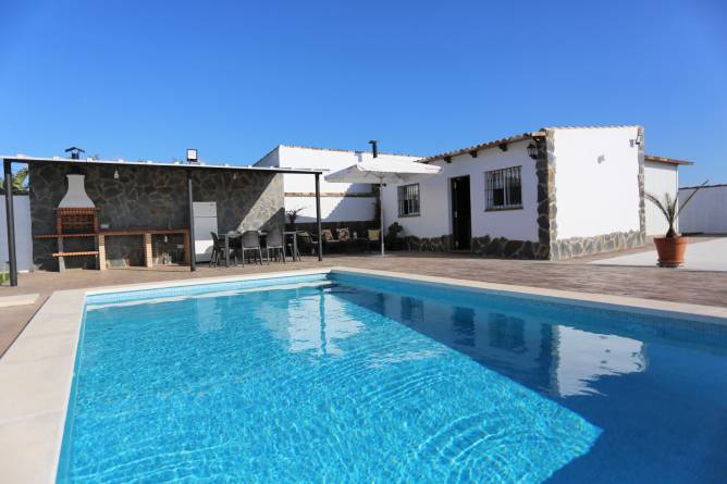 Casa en Chiclana con piscina privada en alquiler