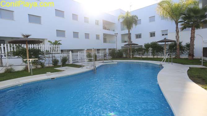 apartamento conil piscina