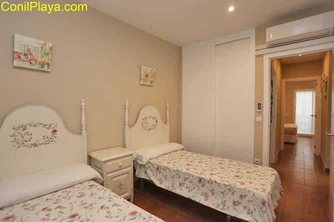 armarios del segundo dormitorio