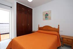 Apartamento de 2 dormitorios en alquiler, en Conil pueblo.