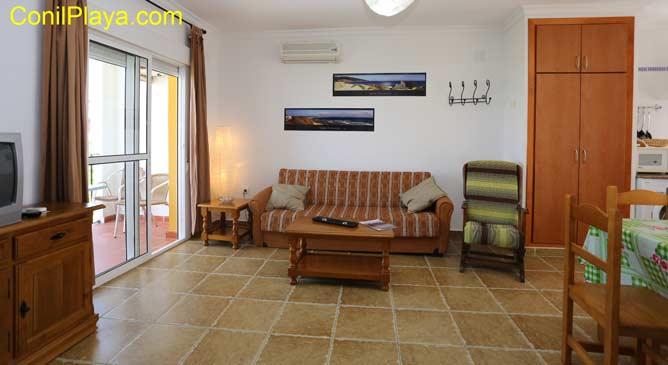 apartamento en Conil con terraza y aire acondicionado
