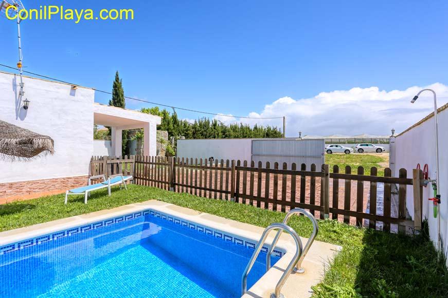 Apartamento bungalow en Conil con piscina