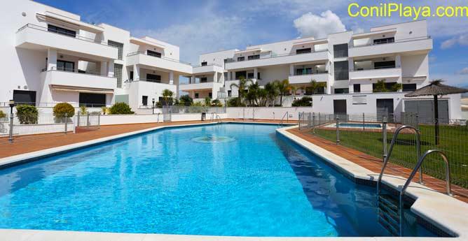 Apartamentos con piscina