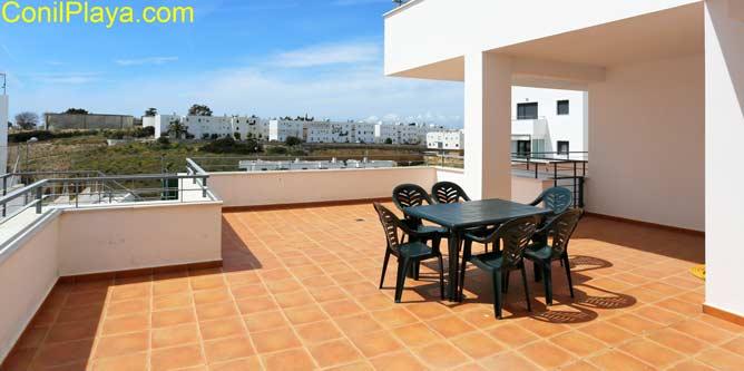 Vistas a Conil dese la terraza del apartamento.