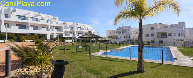 Urbanización en Conil con piscina