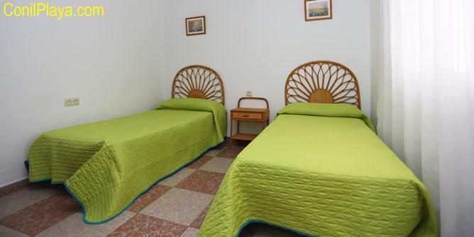 dormitorio con 2 camas del apartamento.