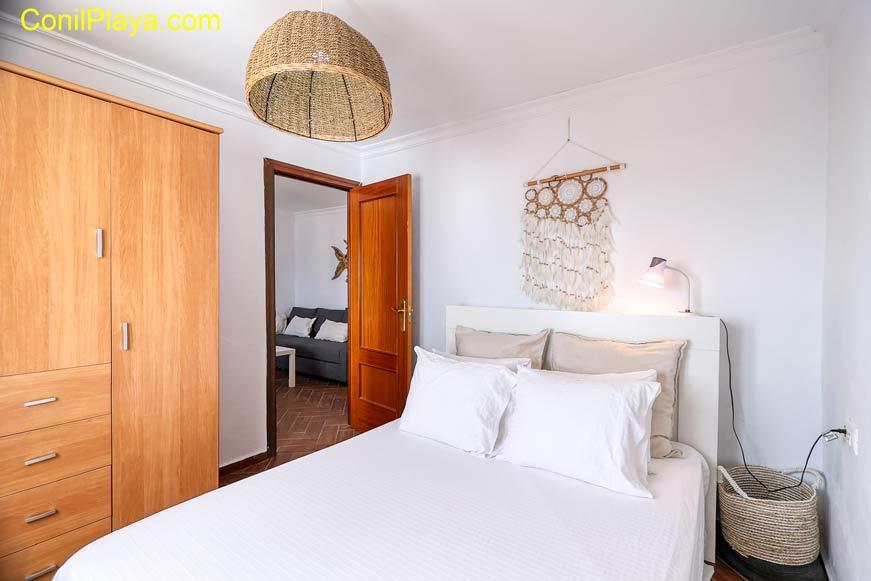 Armario del dormitorio de 2 camas individuales.