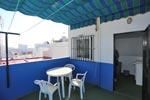2 dormitorios,3 personas. Apartamento muy cerca de la playa andando. Situado en zona muy tranquila, en el barrio marinero de Conil. Muy cerca del centro del pueblo.