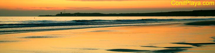 Playa de Conil, puesta de sol en la Fontanilla.
