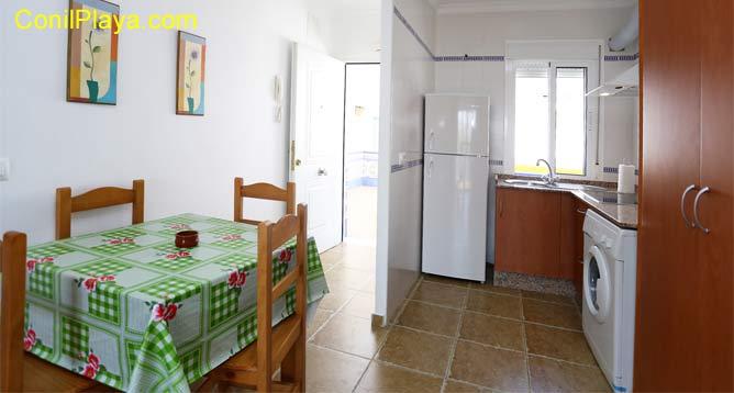 mesa comedor y cocina