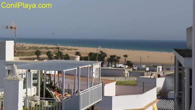 vistas desde la azotea a la playa de El Palmar