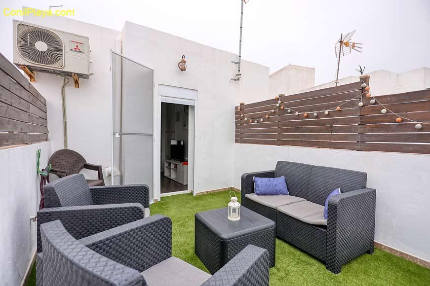 terraza con sombrilla