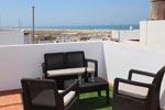 Apartamento situado cerca de la playa con azotea privada