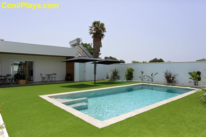 apartamentos piscina en Conil