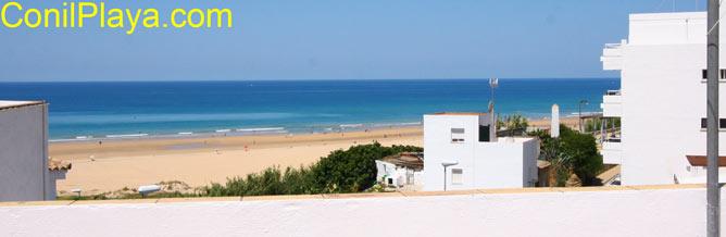 Vistas a la playa desde la azotea.