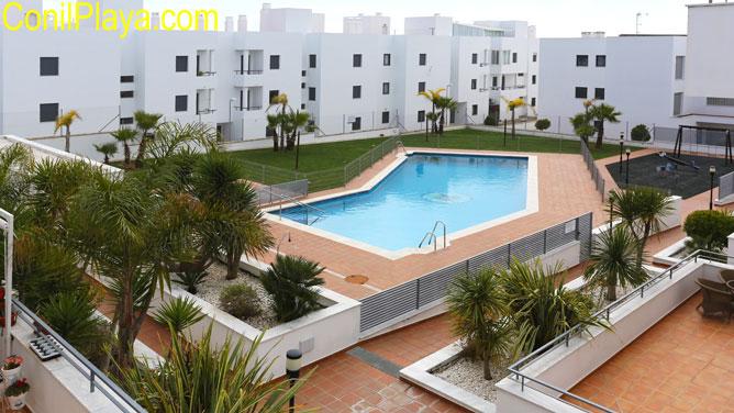 piscina del apartamento