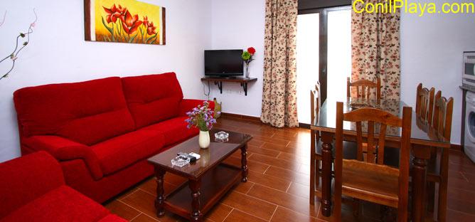 Salón y comedor del apartamento en Conil