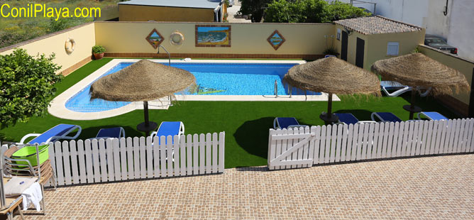 piscina de los apartamentos