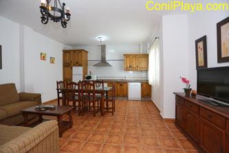 Distribución, 2 dormitorios y salón comedor