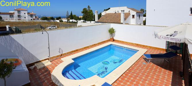 Apartamento en conil con piscina