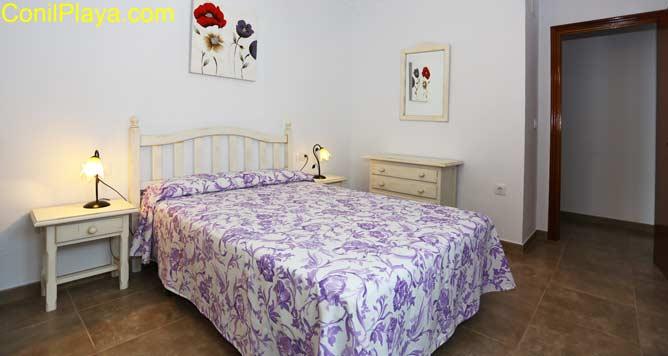 dormitorio y comoda