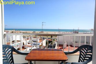 Apartamento en Conil con terraza con vistas al mar