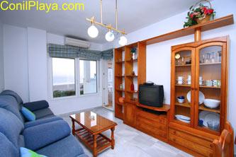 salon con aire acondicionado