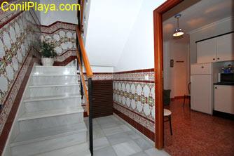 Escaleras de entrada a los apartamentos.