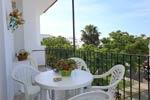 2 dormitorios,4 personas. Apartamento en Conil con terraza situado en zona tranquila y a 4 minutos de la playa en coche.