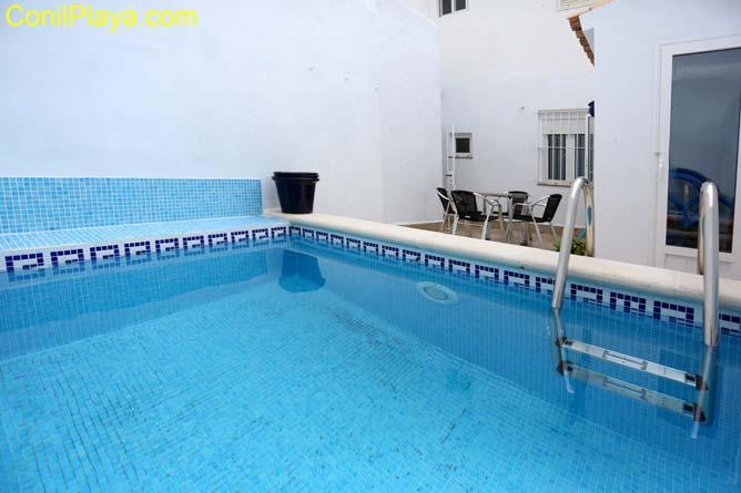 piscina de la casa en Conil