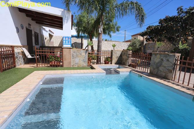 Casa en Barrio Nuevo en alquiler con piscina