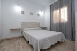 2 dormitorios,6 personas. Alquiler casa en Conil con aire acondicionado de dos dormitorios y de nueva construcción.