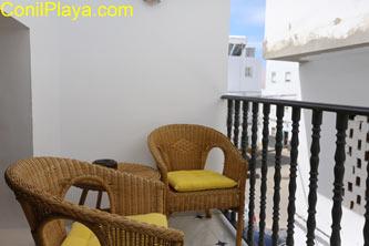 Cuenta con una terraza ideal para tomar el fresco
