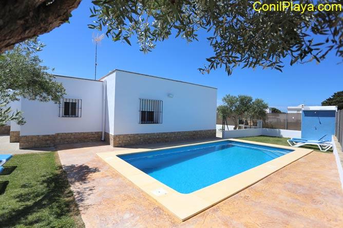 casa conil piscina
