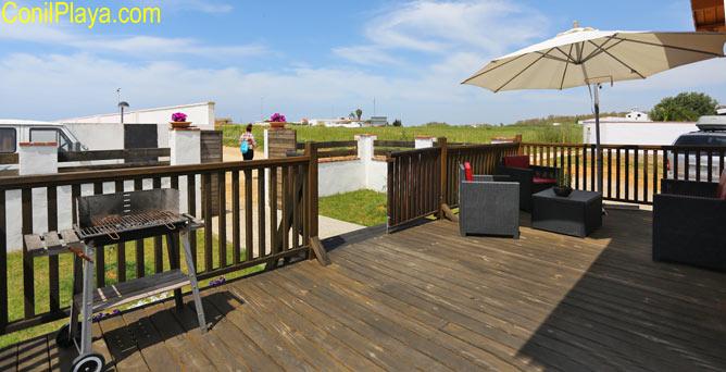 terraza con barbacoa