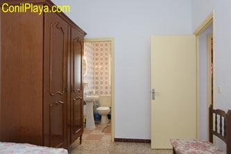 Armario del dormitorio principal.