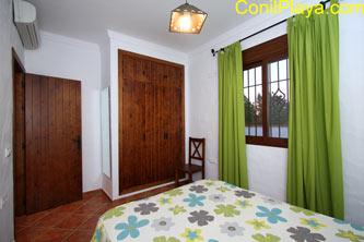 Armario empotrado y aire acondicionado del dormitorio principal