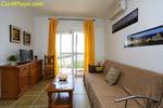 5 dormitorios,4 personas. Apartamento de 2 dormitorios situado en zona tranquila y a unos 4 o 5 minutos de la playa en coche. Junto a supermercado Mercadona
