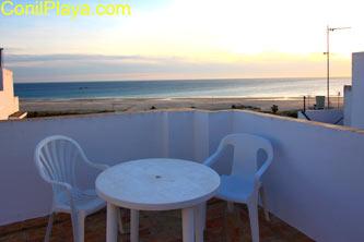 Terraza con bonitas vistas al mar