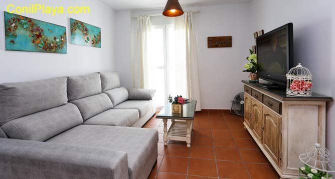 sofá del salón tipo chaise-longue