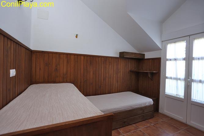 El segundo dormitorio es amplio.