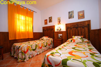 Dormitorio de 2 camas individuales.