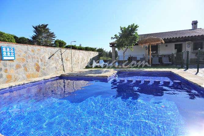chalet en alquiler en Conil con piscina privada