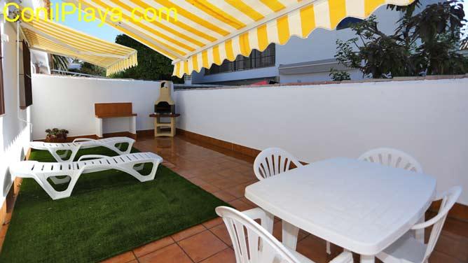 patio con toldos